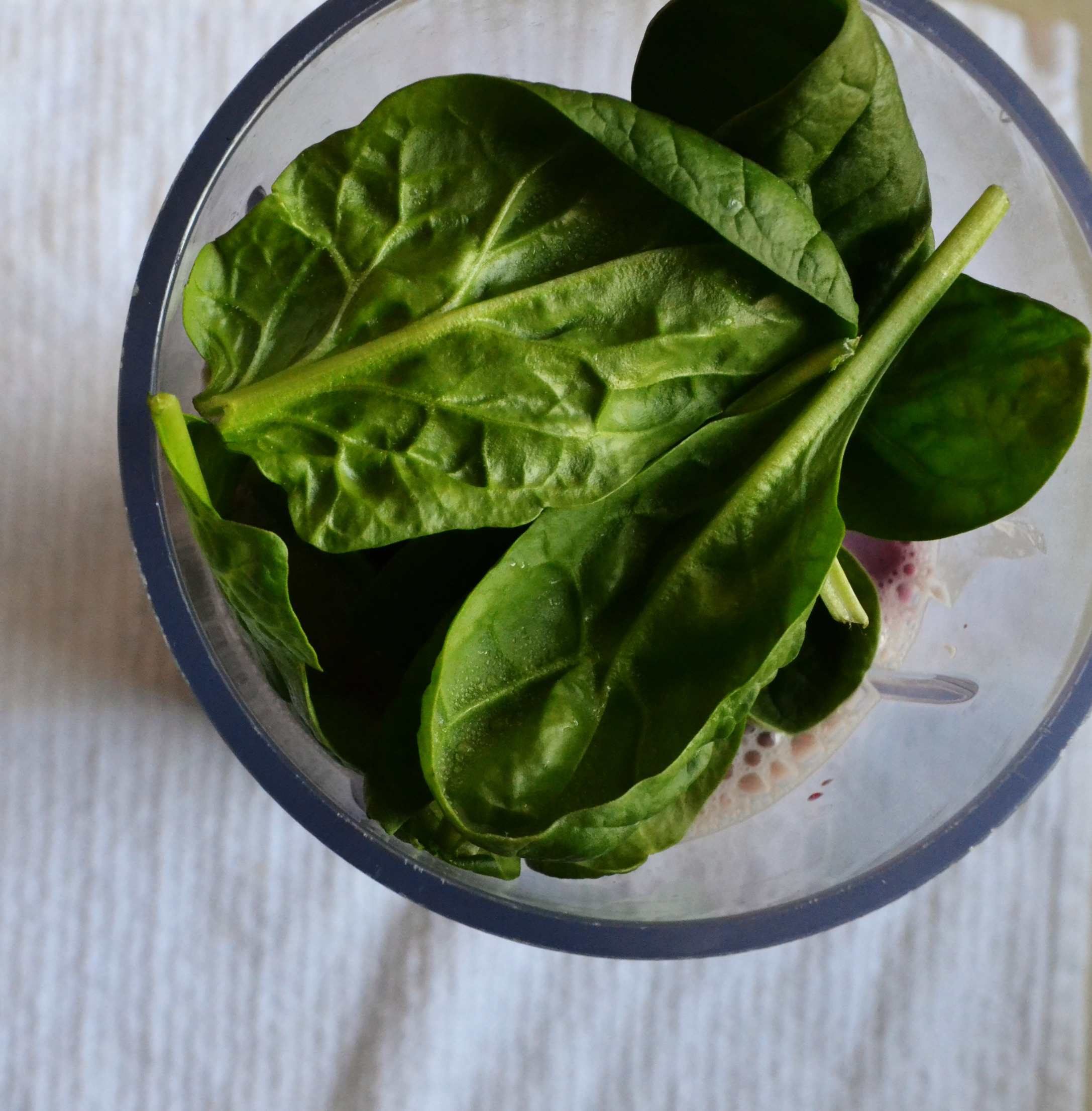 Blueberry Spinach Protein Smoothie