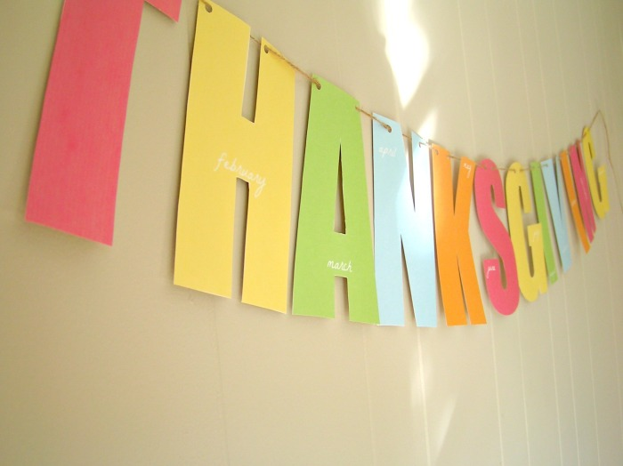 free printable thanksgiving banner {to enjoy all year}